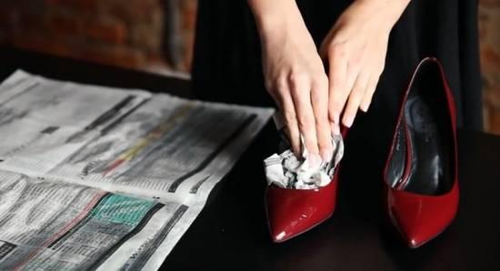 Как растянуть сапоги и туфли в домашних условиях: эффективные способы