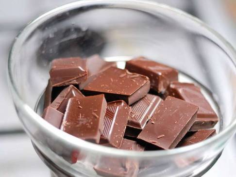 5 способов растопить шоколад в микроволновке