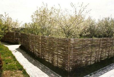 По Вашим размерам изготовим и доставим качественный плетеный забор из ивы или.