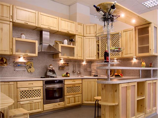Кухонный гарнитур из массива сосны