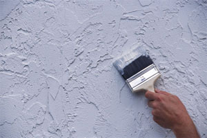 Жидкие обои на стены и потолок: преимущества и нанесение
