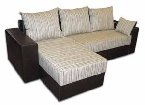 диван в небольшой квартире