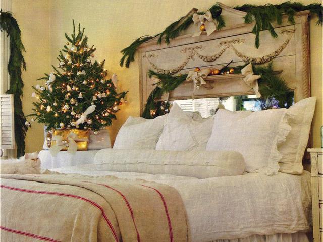 Новогодний дизайн спальни