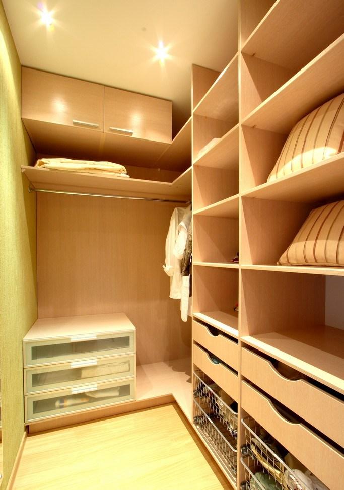 Дизайн гардеробной из кладовки в хрущёвке
