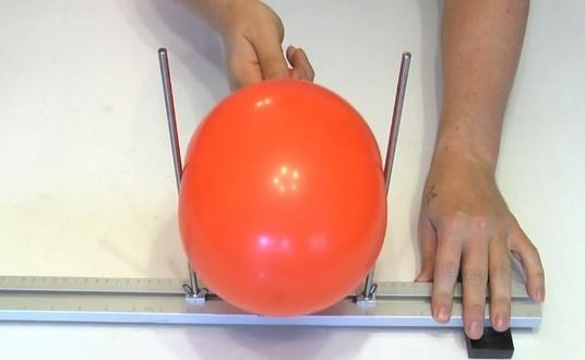 Мастер-класс по созданию тыквы из воздушных шаров на Хэллоуин. Шаг 1
