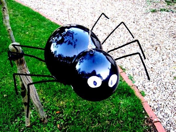 Паук из воздушных шариков