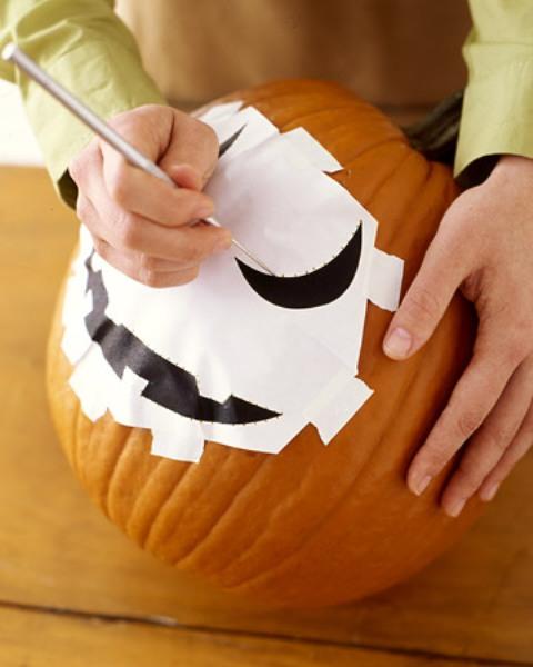 Мастер-класс по созданию поделки из тыквы с подсветкой на Хэллоуин. Шаг 3