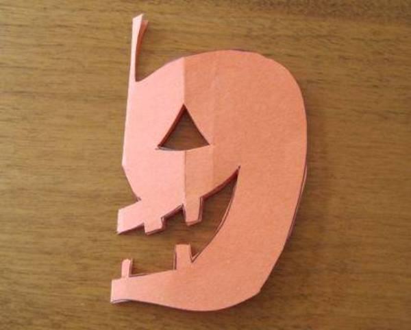 Как можно сделать поделку из бумаги и картона своими руками