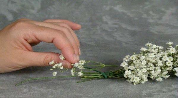 Мастер-класс по созданию венка из маленьких цветов. Шаг 4