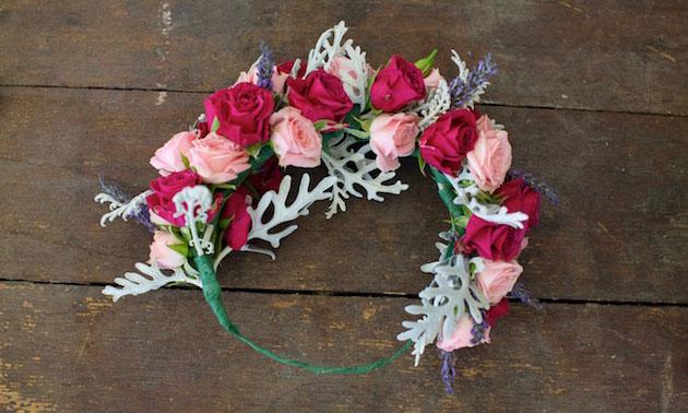 Мастер-класс по созданию венка из веточек лаванды и роз. Шаг 8