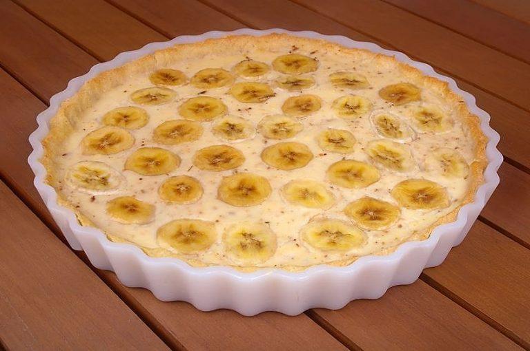 Подробней про банановые пироги  это очень простой рецепт бананового кекса с ягодами.